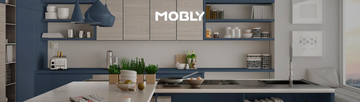 cozinha com móveis brancos e azuis